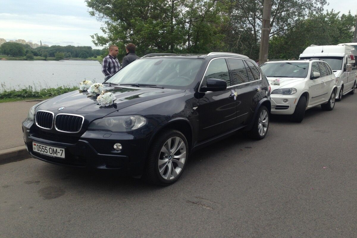 Аренда авто BMW X5 E70 (черный / белый) - фото 2