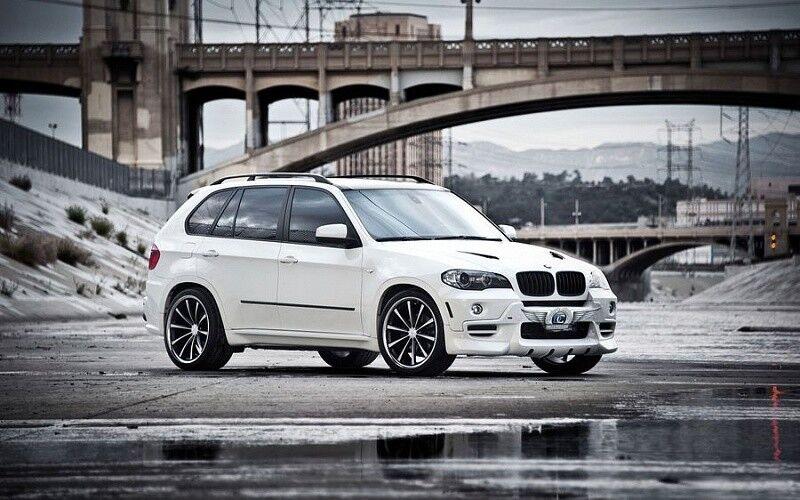 Прокат авто BMW X5 белого цвета - фото 1