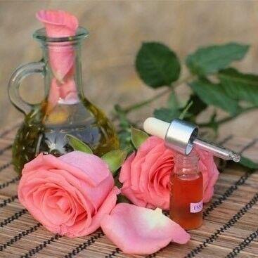 Магазин подарочных сертификатов Марсель Подарочный сертификат на массаж всего тела розовым маслом «Розовые сердца» - фото 1