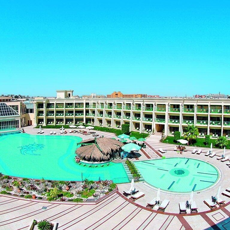 Туристическое агентство Кросс тур Пляжный авиатур в Египет, Хургада, Hilton Resort 5* - фото 1