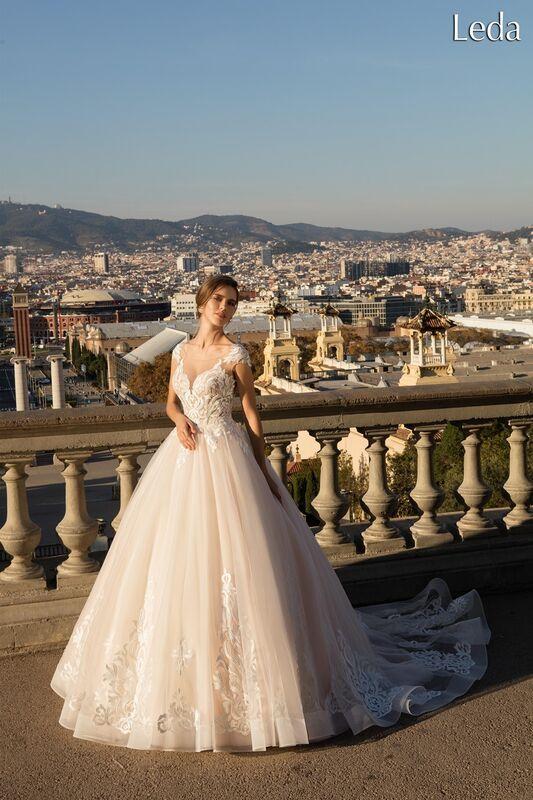 Свадебное платье напрокат Bonjour Платье свадебное «Leda» из коллекции LA POESIE 2017 - фото 1