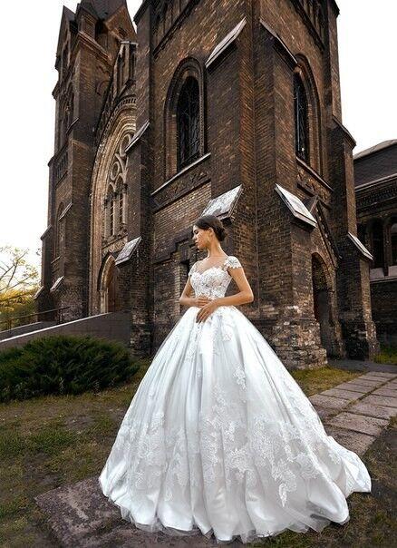 Свадебное платье напрокат Shkafpodrugi Платье свадебное с кружевным верхом и объемной юбкой 0008-16 - фото 1