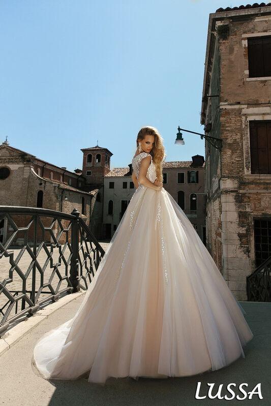 Свадебный салон Bonjour Galerie Свадебное платье Lussa из коллекции La Douceur - фото 2