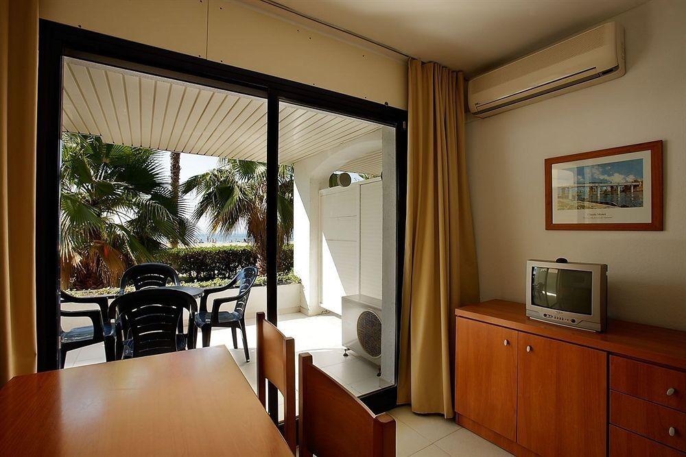 Туристическое агентство Санни Дэйс Пляжный авиатур в Испанию, Коста Дорада, Pins Platja Aparthotel Cambrils 2* - фото 2