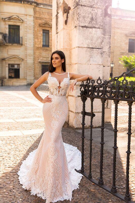 Свадебное платье напрокат Crystal Свадебное платье Lizzi - фото 1