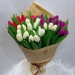 Магазин цветов Цветочник Букет из 55-ти тюльпанов - фото 1