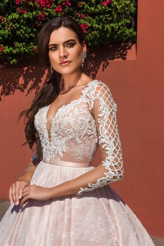 Свадебный салон Crystal Платье свадебное Jovanna - фото 3