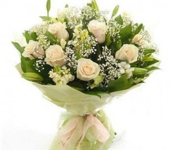 Магазин цветов Ветка сакуры Букет из белых роз №18 - фото 1