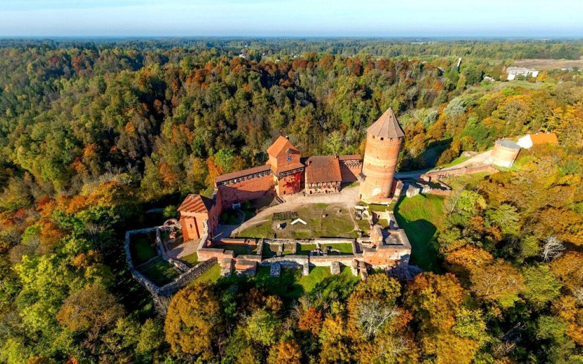 Туристическое агентство Сэвэн Трэвел Латвийские замки в туре выходного дня Рига-Цесис-Сигулда - фото 3