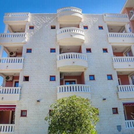Туристическое агентство Клеопатра-тур Пляжный авиатур в Черногорию, Будва, апартаменты Dimic Ellite - фото 1