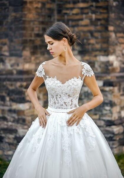 Свадебное платье напрокат Shkafpodrugi Платье свадебное с кружевным верхом и объемной юбкой 0008-16 - фото 2