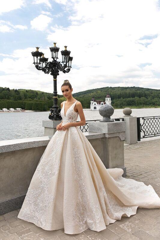 Свадебное платье напрокат Crystal Taffi - фото 1