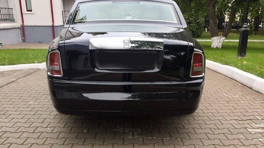 Прокат авто Rolls-Royce Phantom черного цвета - фото 7