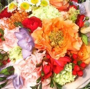 Магазин цветов Прекрасная садовница Букет с раннункулюсами и розой Копперфильд - фото 1