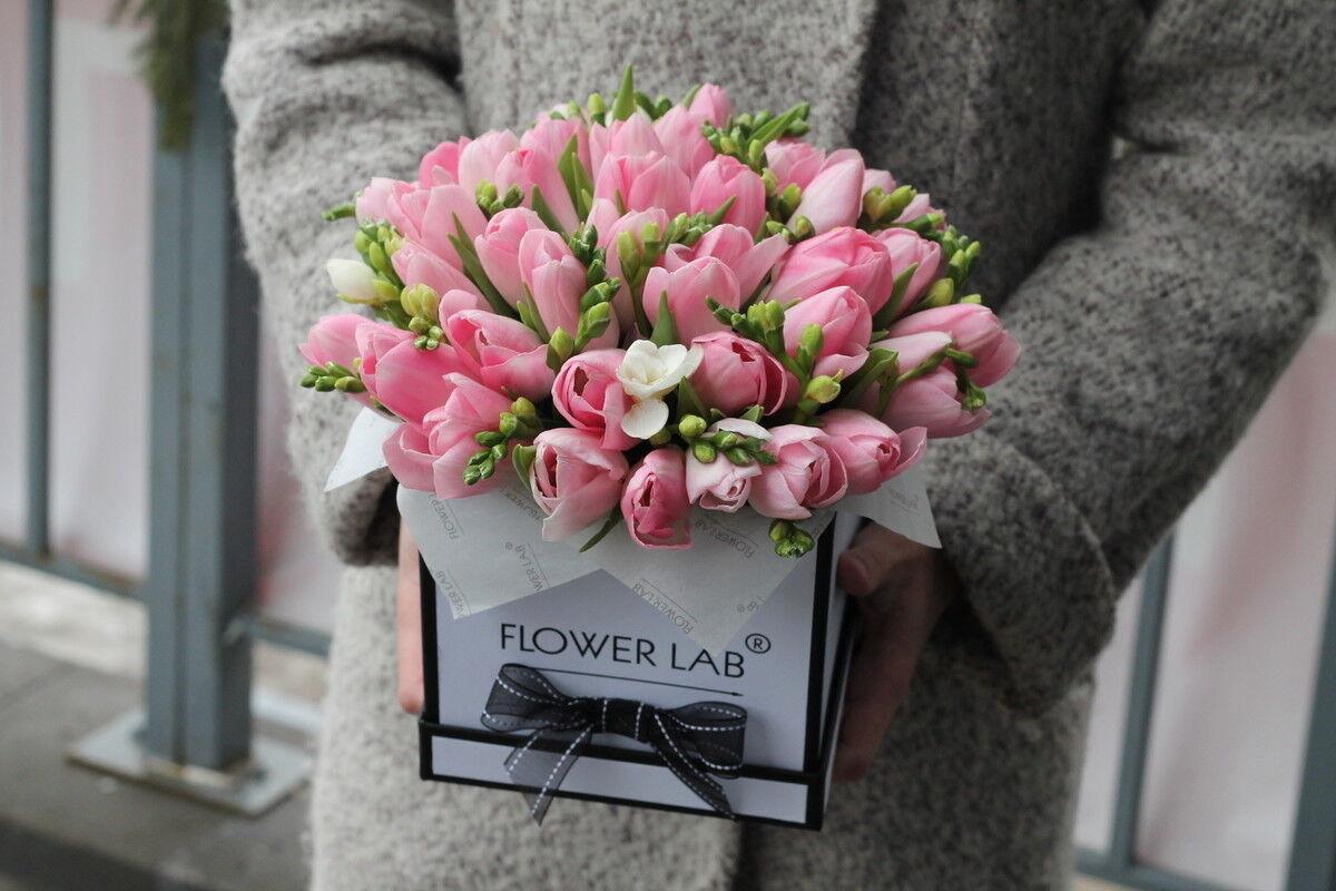 Магазин цветов Cvetok.by Коробочка «Нежная» - фото 1