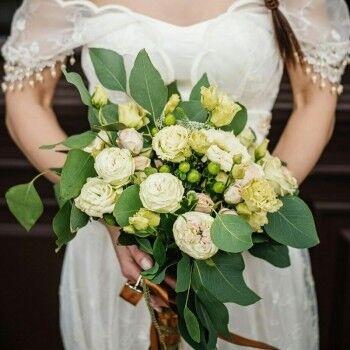 Магазин цветов Ветка сакуры Свадебный букет № 71 - фото 1