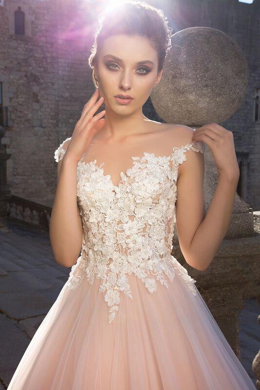 Свадебный салон Bonjour Свадебное платье «Pina» из коллекции LA SENSUALITE 2017 - фото 4