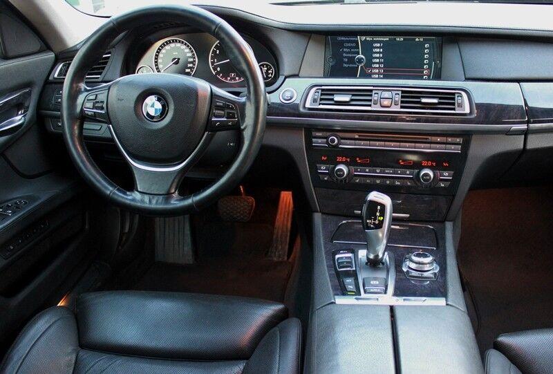 Прокат авто BMW 7 F02 - фото 6