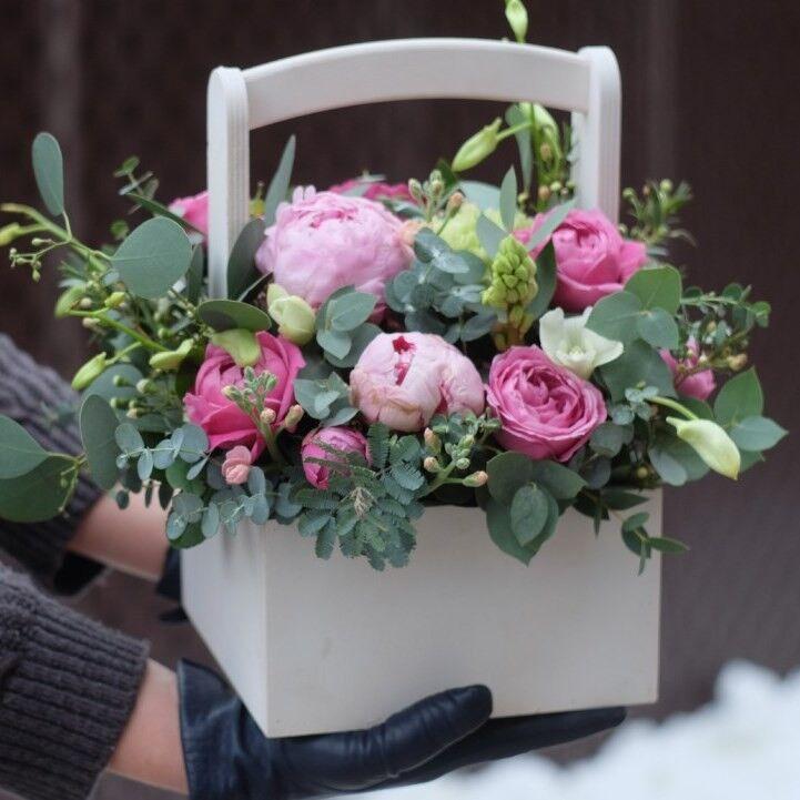 Магазин цветов VETKA-KVETKA Композиция в деревянном ящике 207 - фото 1