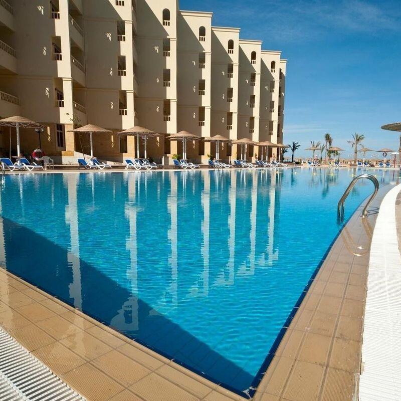 Туристическое агентство United Travel Пляжный авиатур в Египет, Хургада, Amc Royal Resort 5* - фото 1