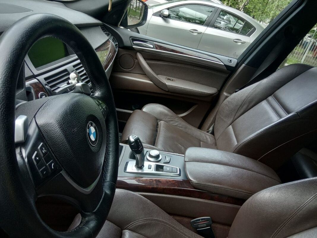 Прокат авто BMW X5 (E-70) черный - фото 3