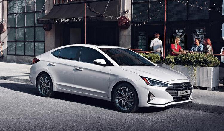 Прокат авто Hyundai Elantra 2019 AT - фото 1