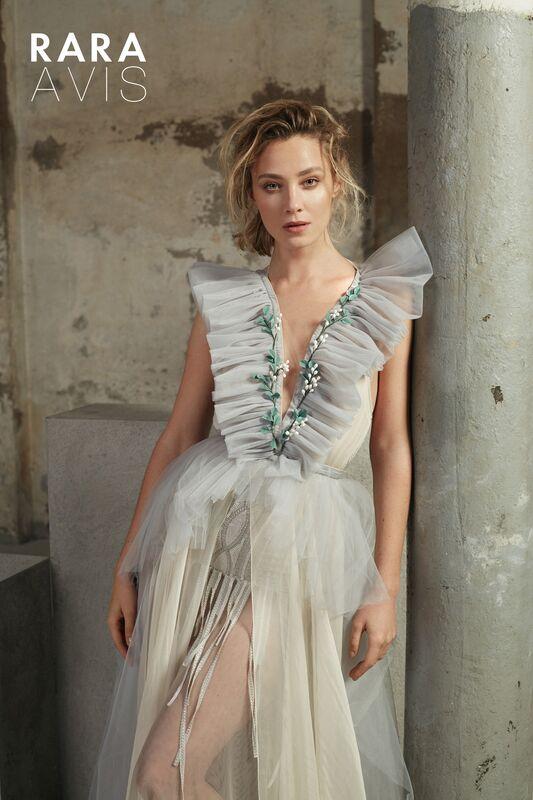 Свадебный салон Rara Avis Свадебное платье Floral Paradise Tisa - фото 1