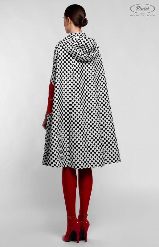 Верхняя одежда женская Pintel™ Романтичный кейп А-силуэта в горох LIÉVINTA - фото 5