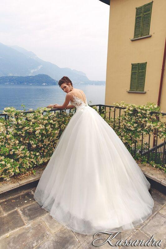Свадебный салон Bonjour Galerie Свадебное платье Kassandra из коллекции Royal Luxury - фото 3