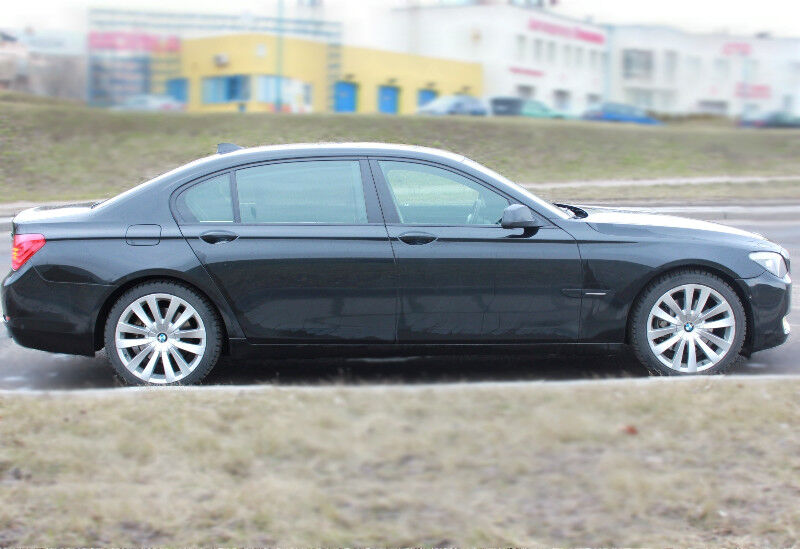 Прокат авто BMW 7 F02 - фото 5