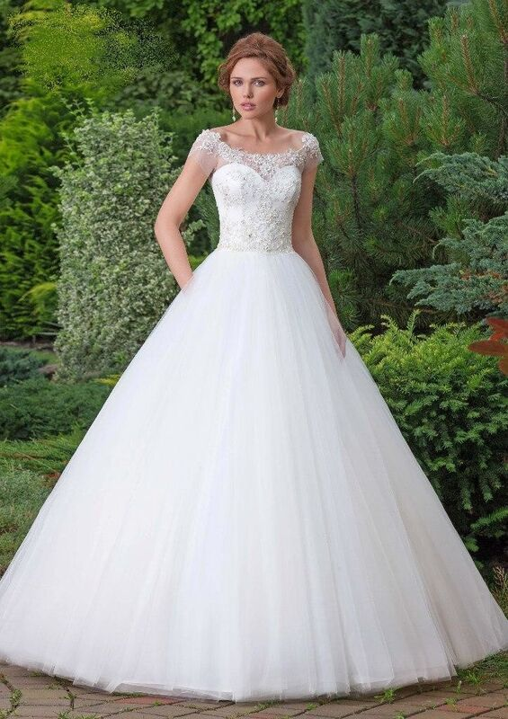 Свадебное платье напрокат Destiny Collection Платье свадебное 1618 - фото 1