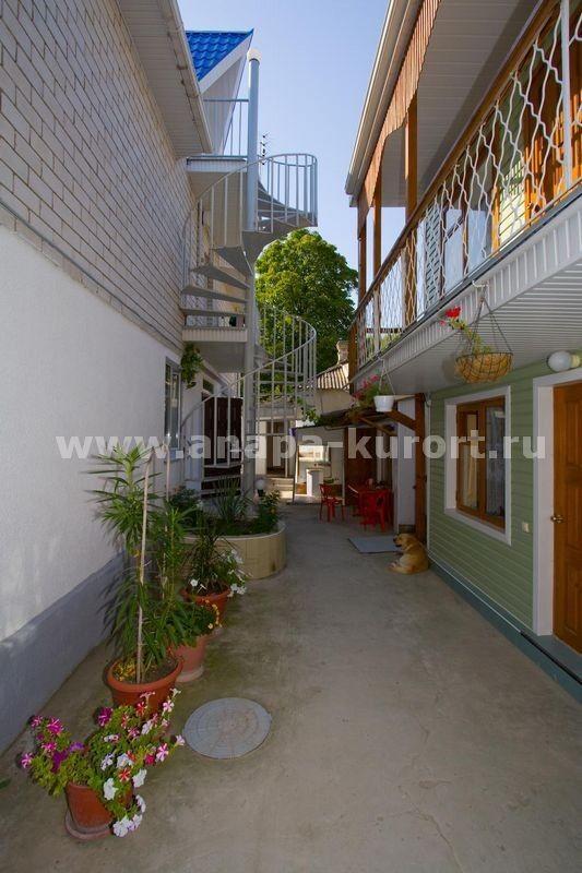 Туристическое агентство Никатур Отдых в Анапе, гостевой дом «Нодари» - фото 1