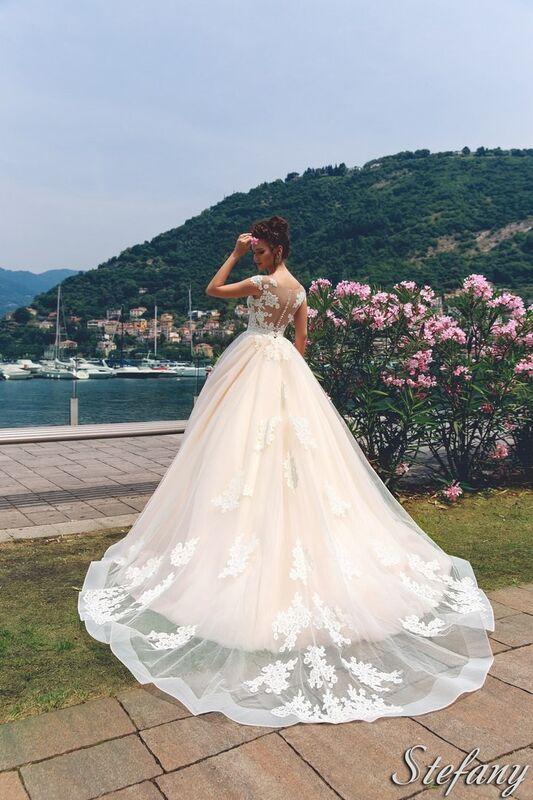 Свадебный салон Bonjour Galerie Свадебное платье Stefany из коллекции Royal Luxury - фото 2