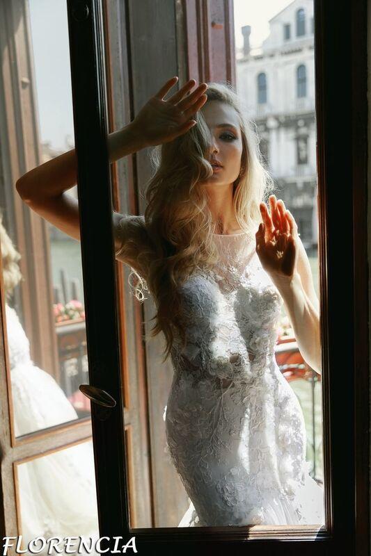 Свадебный салон Bonjour Galerie Свадебное платье Florencia из коллекции La Douceur - фото 5