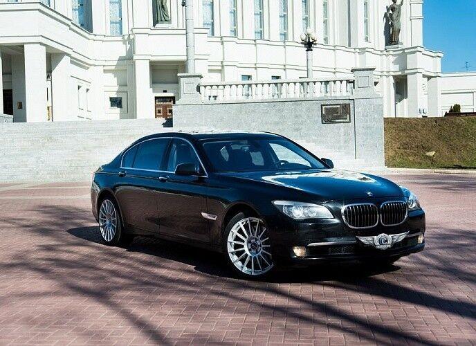 Прокат авто BMW F02 7 series черного цвета - фото 3