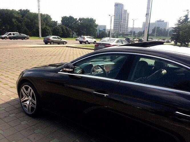 Прокат авто Mercedes-Benz W219 CLS Чёрного цвета - фото 4