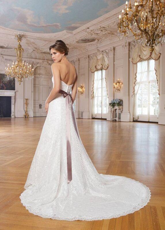Свадебное платье напрокат Lillian West Платье свадебное «Adriana» - фото 2