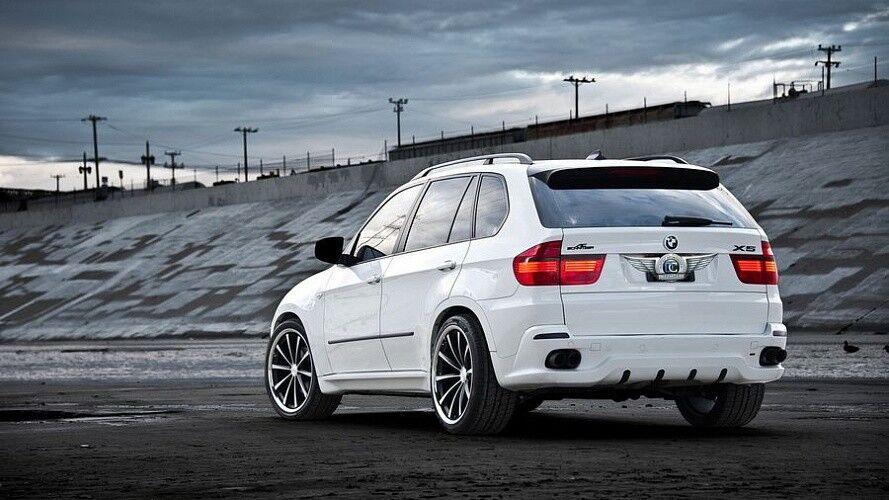 Прокат авто BMW X5 белого цвета - фото 3