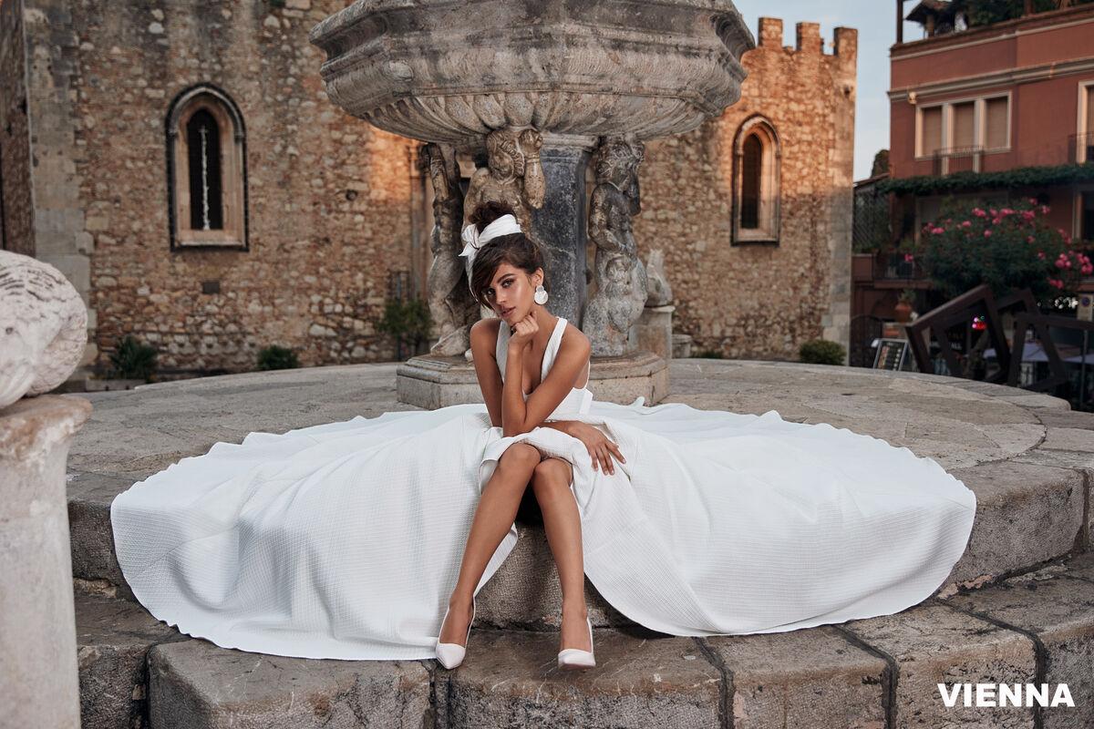 Свадебный салон Bonjour Galerie Платье свадебное VIENNA из коллекции BELLA SICILIA - фото 3