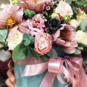 Магазин цветов Прекрасная садовница Цветочная композиция с розами - фото 1