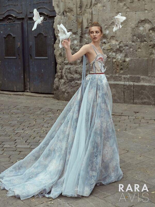 Свадебный салон Rara Avis Свадебное платье Floral Paradise  Maria - фото 1
