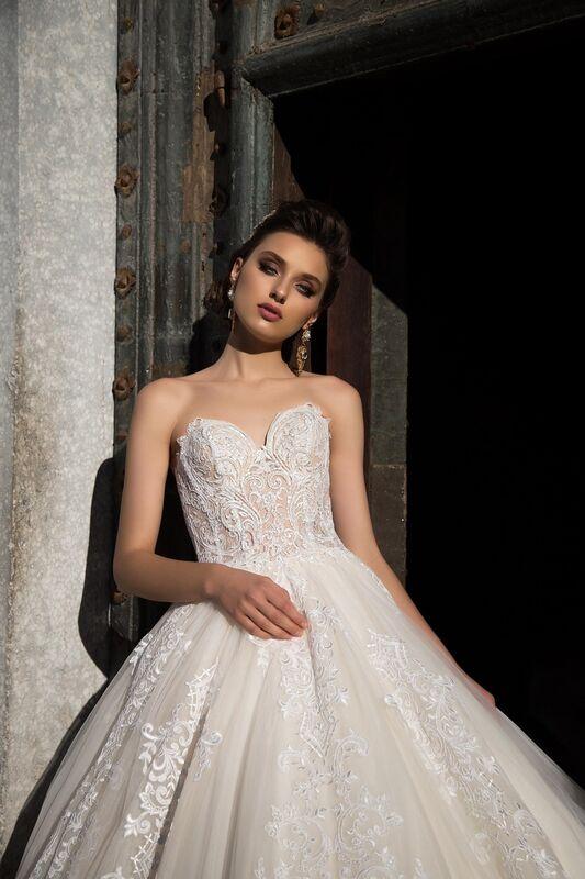 Свадебное платье напрокат Bonjour Платье свадебное «Apollo» из коллекции LA SENSUALITE 2017 - фото 1
