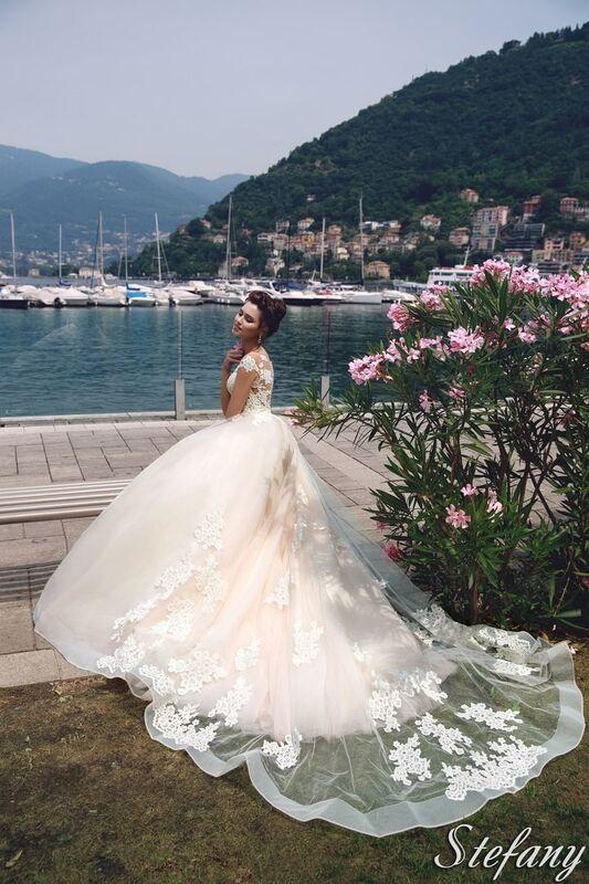 Свадебный салон Bonjour Galerie Свадебное платье Stefany из коллекции Royal Luxury - фото 5