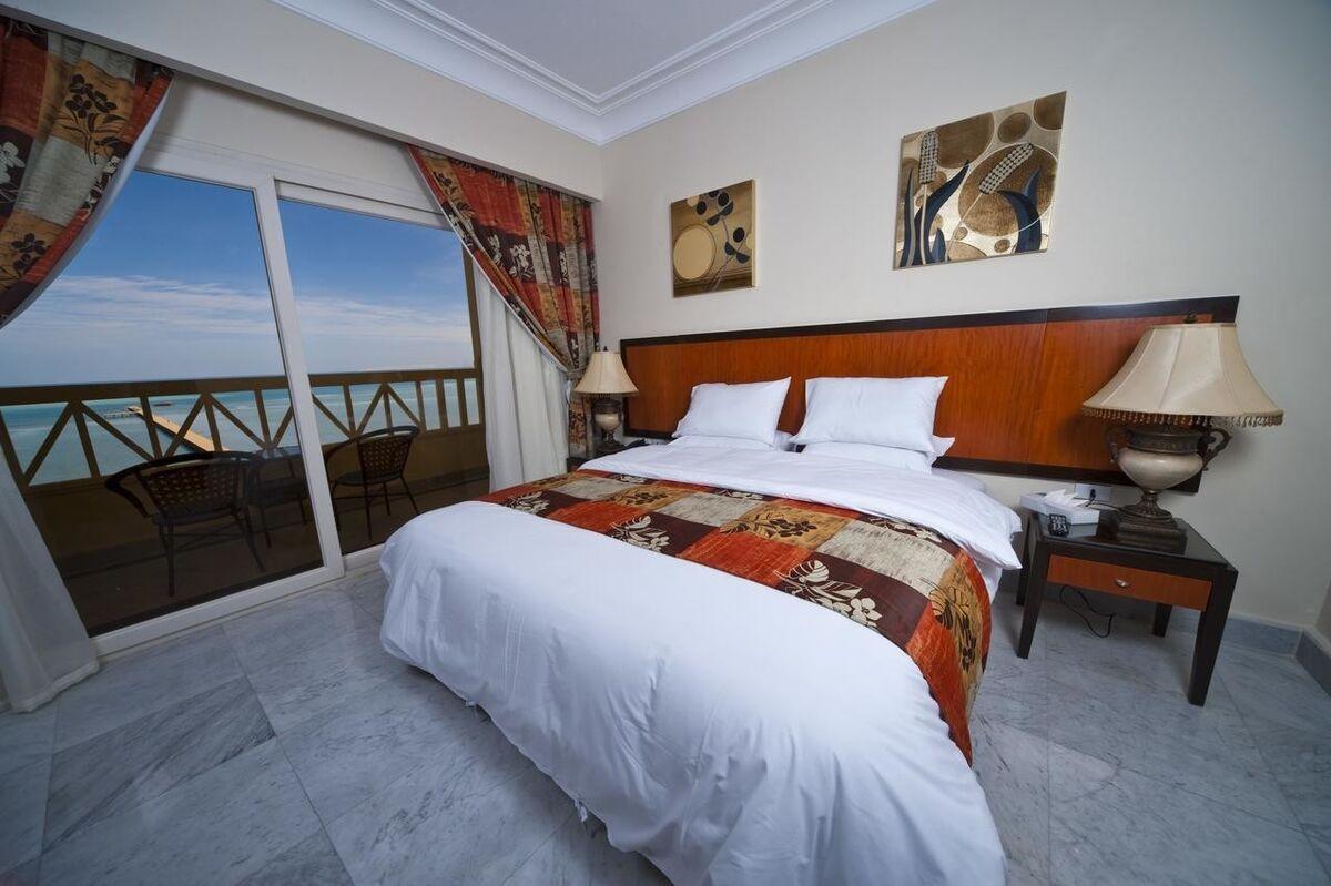 Туристическое агентство United Travel Пляжный авиатур в Египет, Хургада, Amc Royal Resort 5* - фото 2