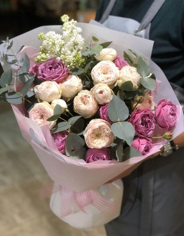 Магазин цветов Прекрасная садовница Букет с садовыми розами и эвкалиптом - фото 2