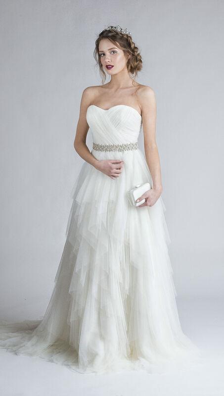 Свадебное платье напрокат Belfaso Свадебное платье с расшитым поясом - фото 1