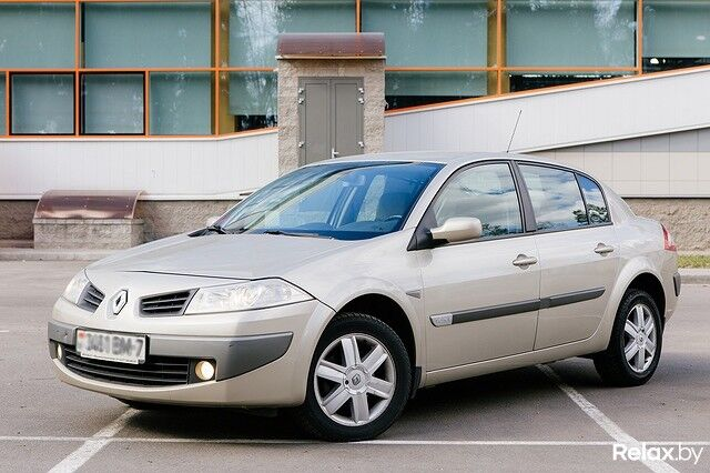 Аренда авто Renault Megane АКПП - фото 1