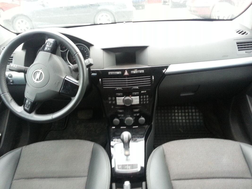 Аренда авто Opel Astra 2012 года - фото 2