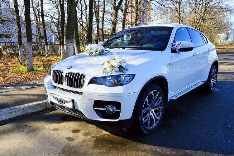 Прокат авто BMW X6 белого цвета - фото 3