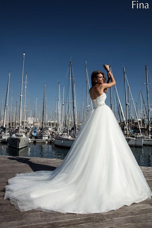 Свадебный салон Bonjour Galerie Свадебное платье «Fina» из коллекции LA POESIE - фото 3